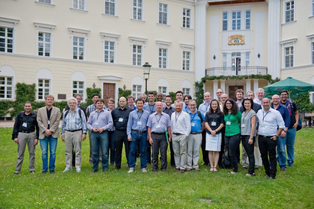 Workshop participants in front of the Schloss Lübenau (Photo: Nikolas Voigt)